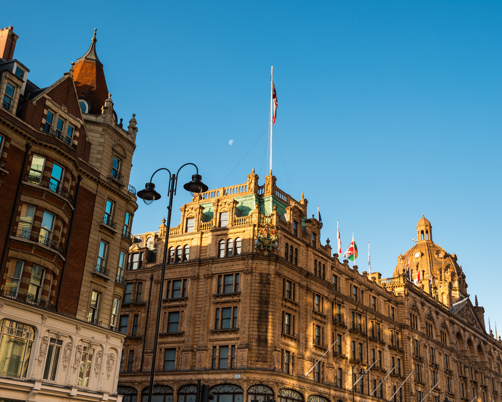 Luxury london experience extravagant retail therapy in for The knightsbridge