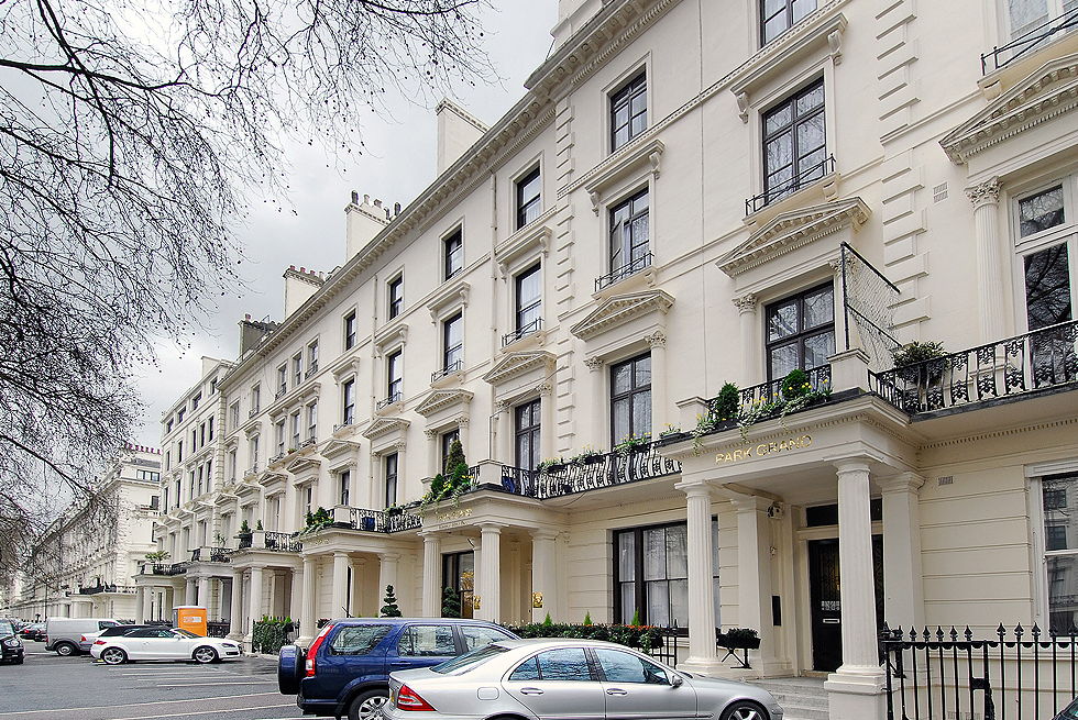 Rhodes Hotel. Family friendly London Bed and Breakfast